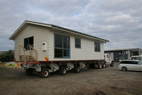 henry-nelsons-new-home-being-delivered-on-site_285x190