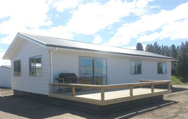 lake-taupo-farm-accommodation-complete_599x382